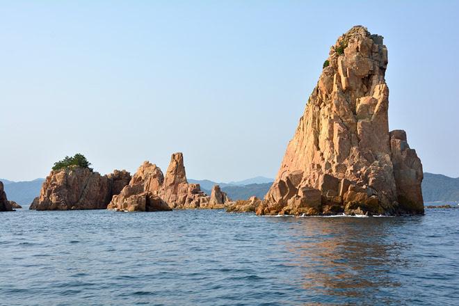 赤瀬の風景1(写真提供:青海島観光汽船)